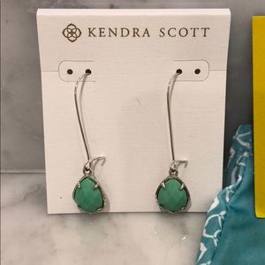 Kendra Scott turquoise necklace and earring set